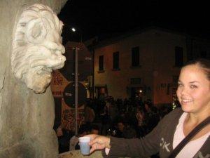 at Assedio alla Villa, Poggio a Caiano's harvest festival featuring a wine-producing fountain...ah...the magic of Italia!